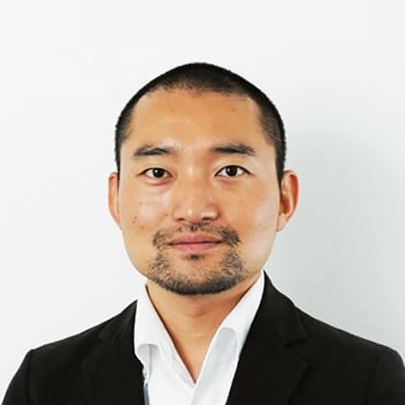 西井 敏恭 氏